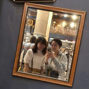 三輪明日香さん(友達と)