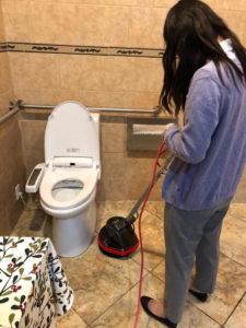 小板橋さん:トイレ掃除